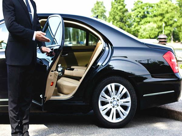 Luxurious, punctual and safe travel throughout